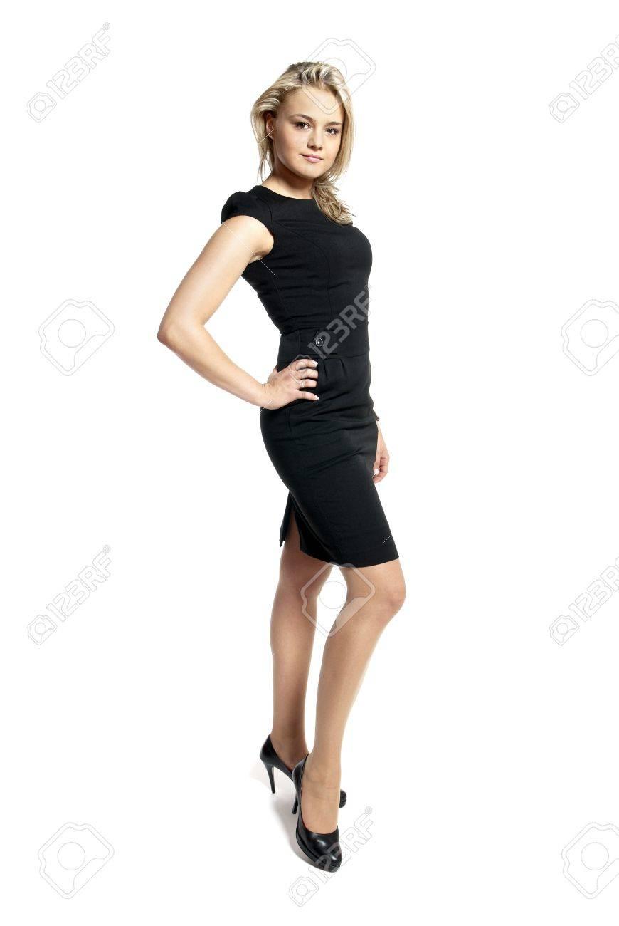 Vestido negro mujer joven