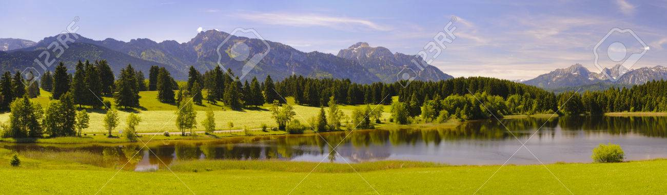 panorama landscape in Bavaria with lake and alps mountains at spring - 29370498