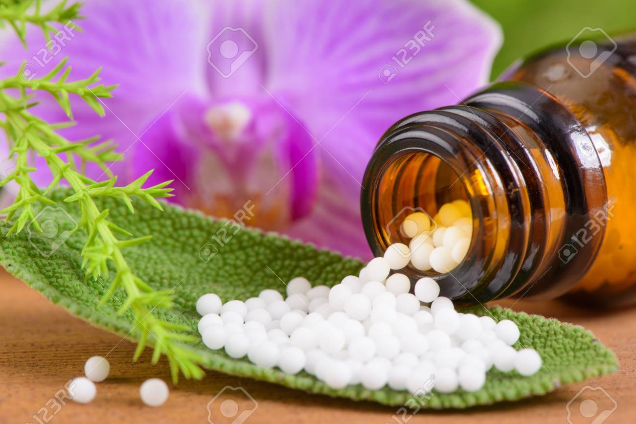 alternative medicine with homeopathic pills - 43133994