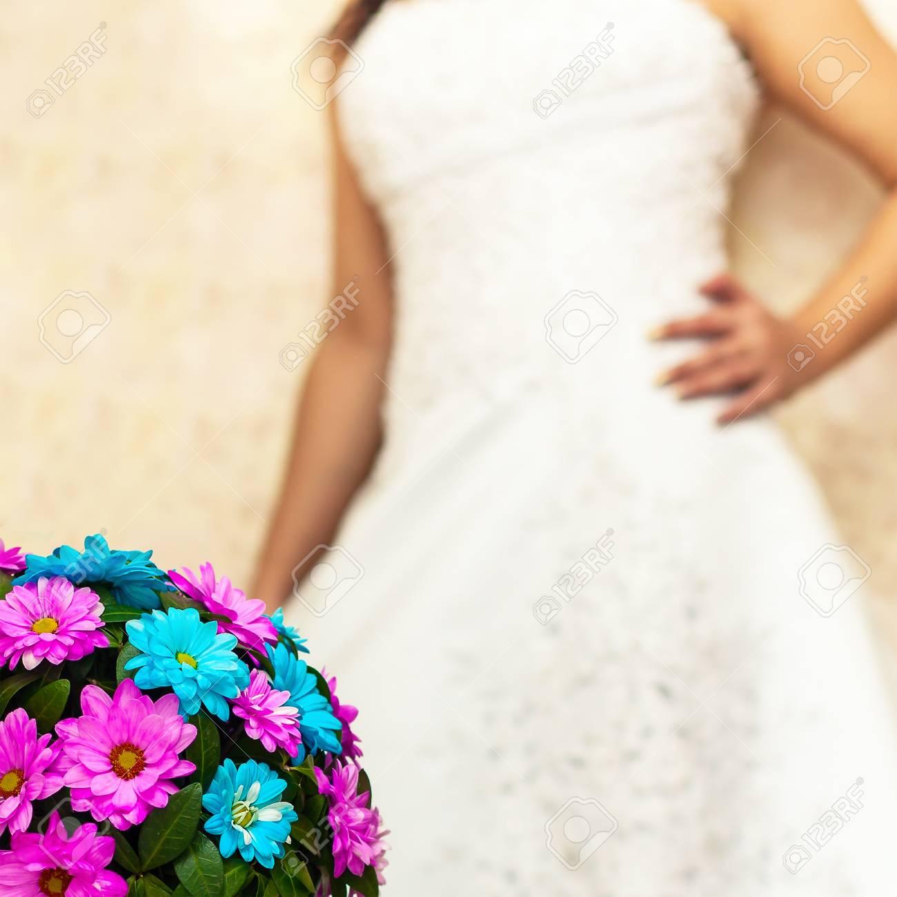Wedding Bouquet Blau Und Rosa Blumen Auf Einem Hintergrund Von Einer ...