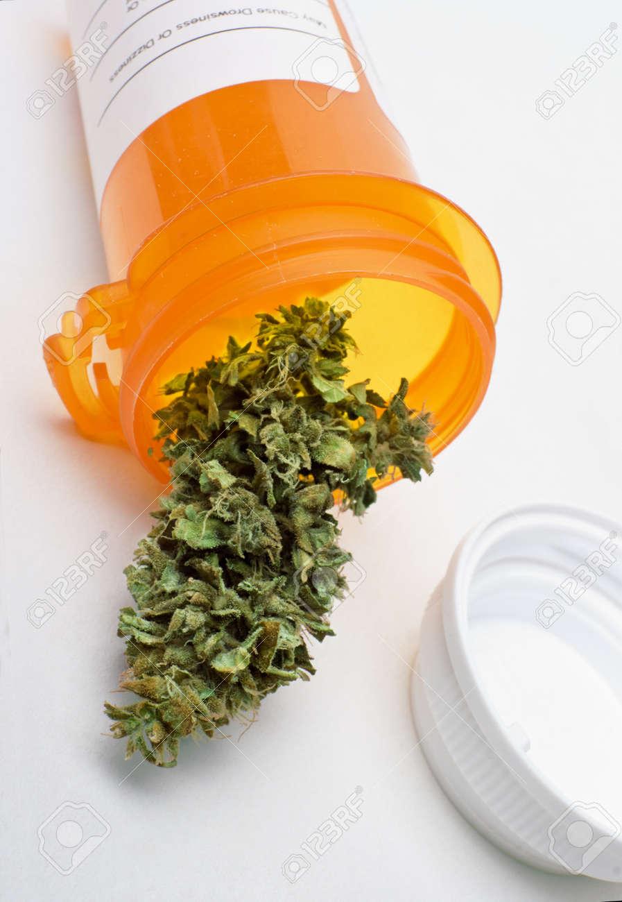 medical marijuana Stock Photo - 10911141