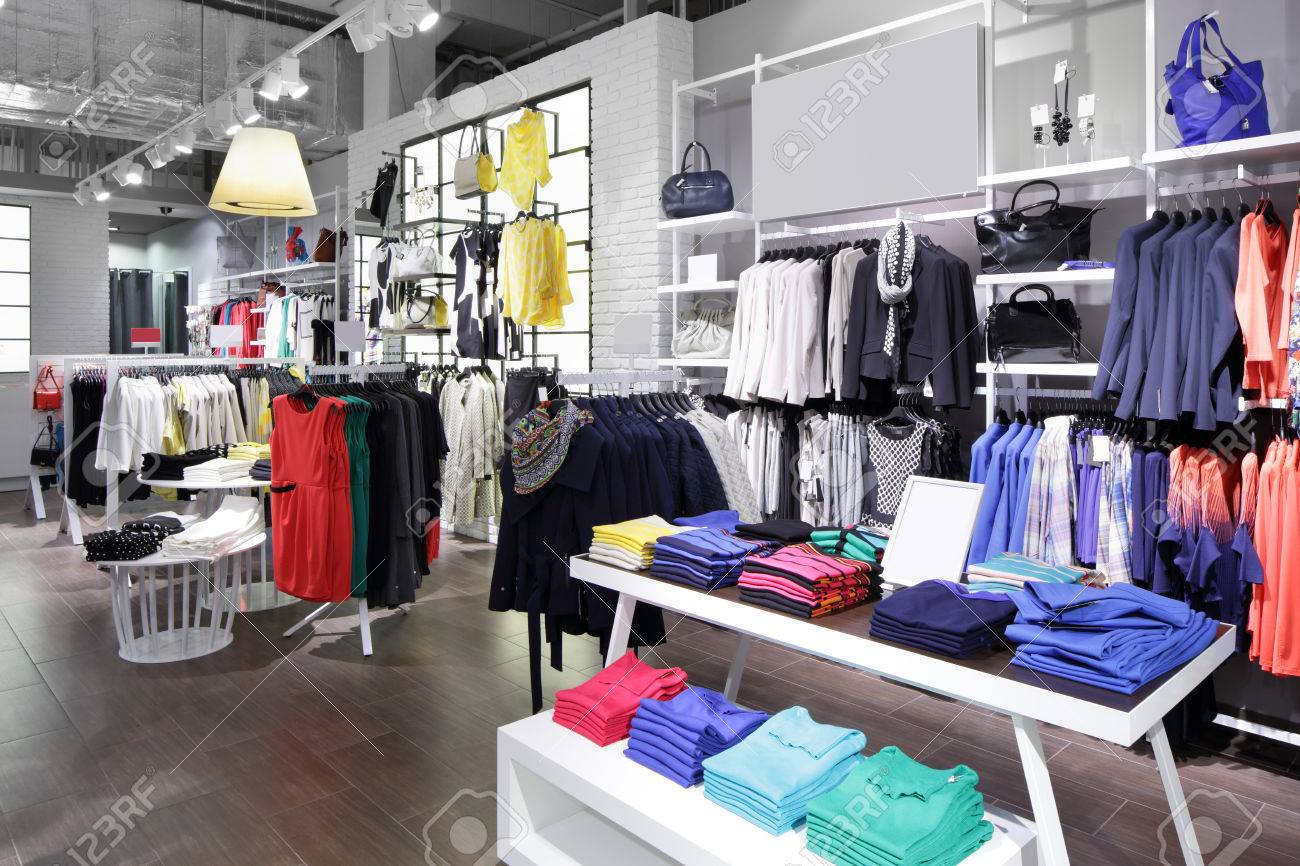 Le Luxe Et La Mode Tout Nouveau Intérieur Du Magasin De Tissu Banque ...