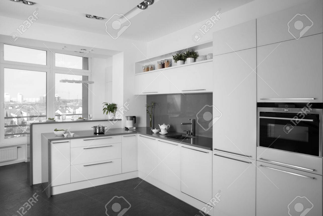 beautiful and model interior of bright kitchen - 32331740