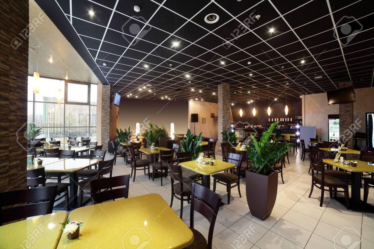 beautiful brand new european restaurant in downtown - 34075951