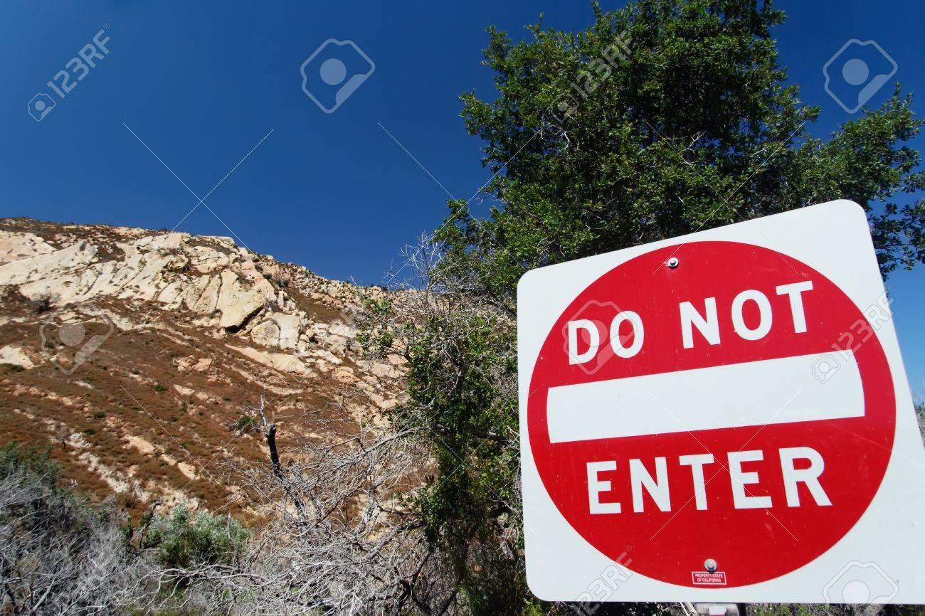 Traffic sign Do not enter in San Luis Obispo County Stock Photo - 7539890