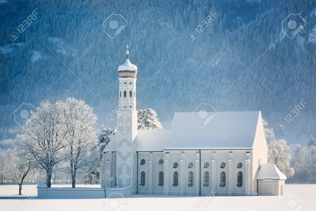 冬、ドイツ ・ アルゴイで聖カー...
