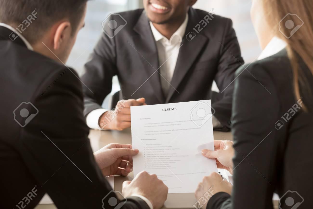 HR-Manager Analysieren Lebenslauf, Fragen Afroamerikanischen ...