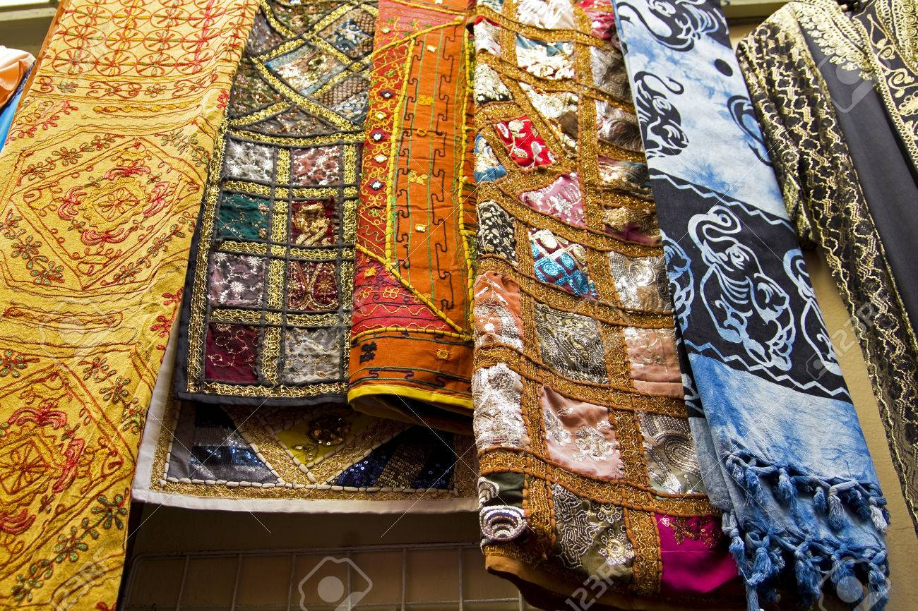 Shop With Sale Of Scarves And Carpets In The Oriental Market Stock