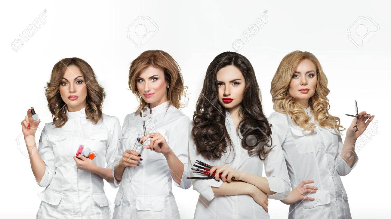 Beauty salon workers with professional tools - 52419339