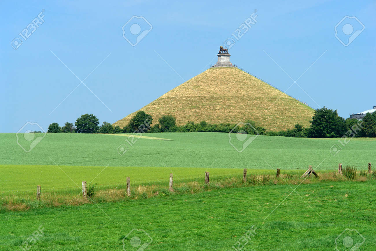 The famous memorial hill on the battlefield in the rolling countryside of Waterloo, Belgium, where the French emperor Napoleon was defeated decisively by an alliance of English, German, Prussians and Dutch in 1815, ending 20 years of French expansionism i - 512547