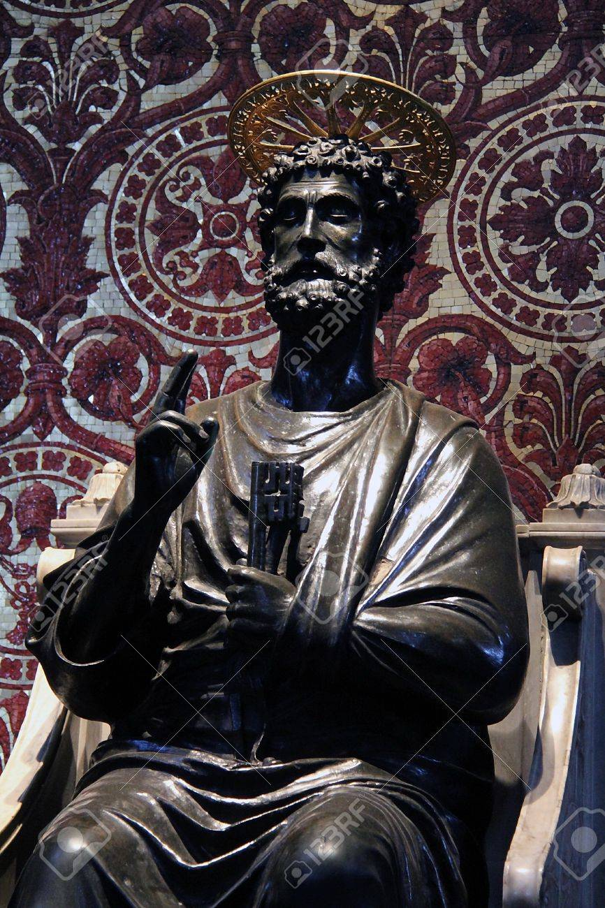 Statue of Saint Peter in St  Peter s Basilica  Rome, Italy  Stock Photo - 15155617