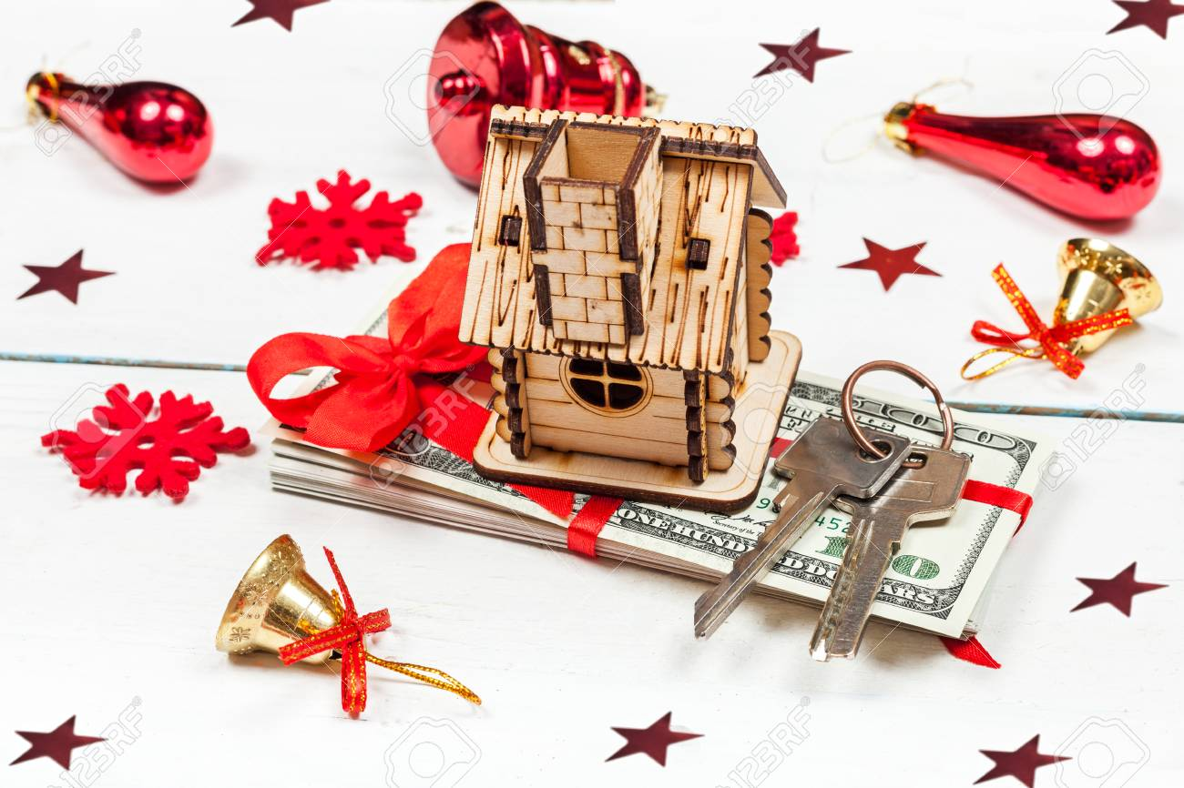 House, Keys And A Stack Of Banknotes. The Idea Of A Gift For.. Stock ...