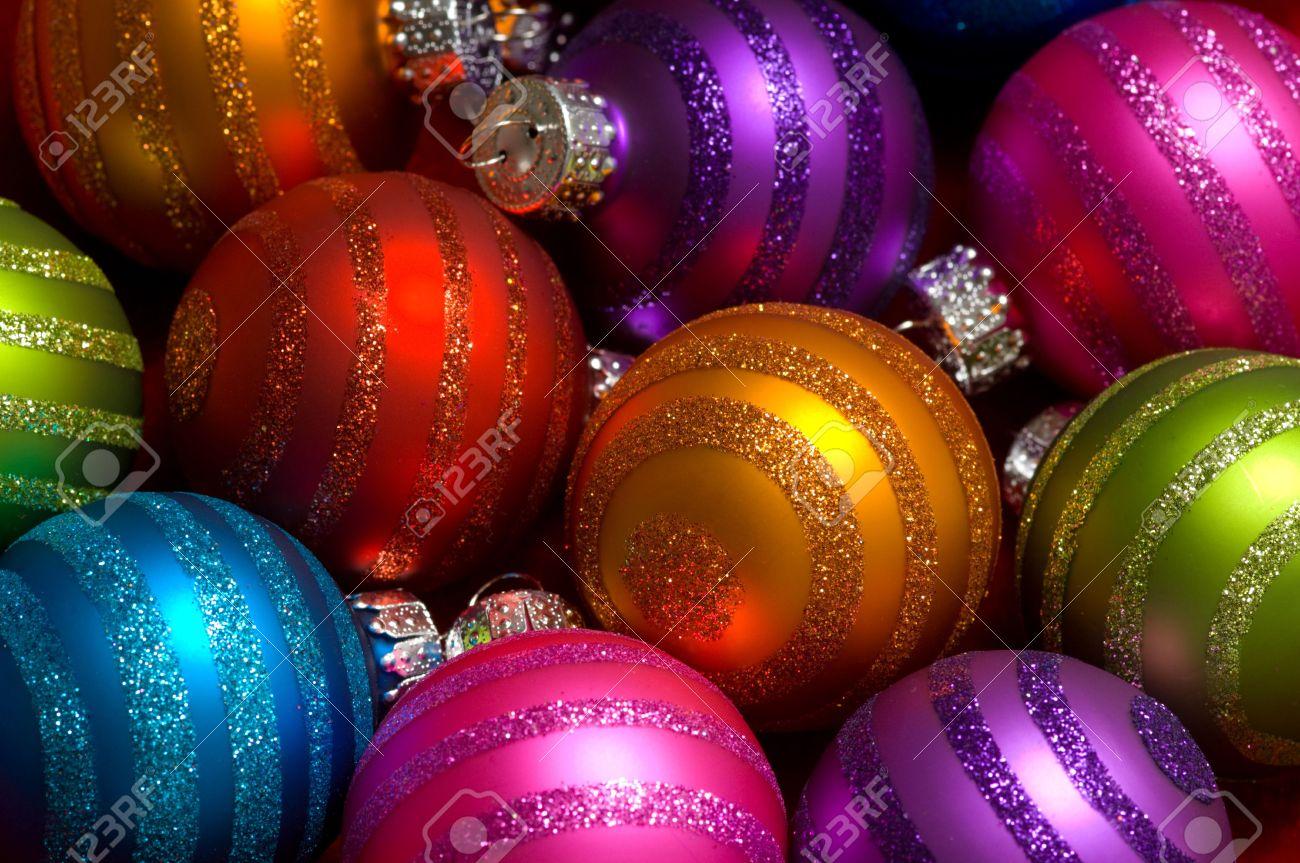 De Couleur Vive Boules De Noël Des Assortis De Couleur Ou De
