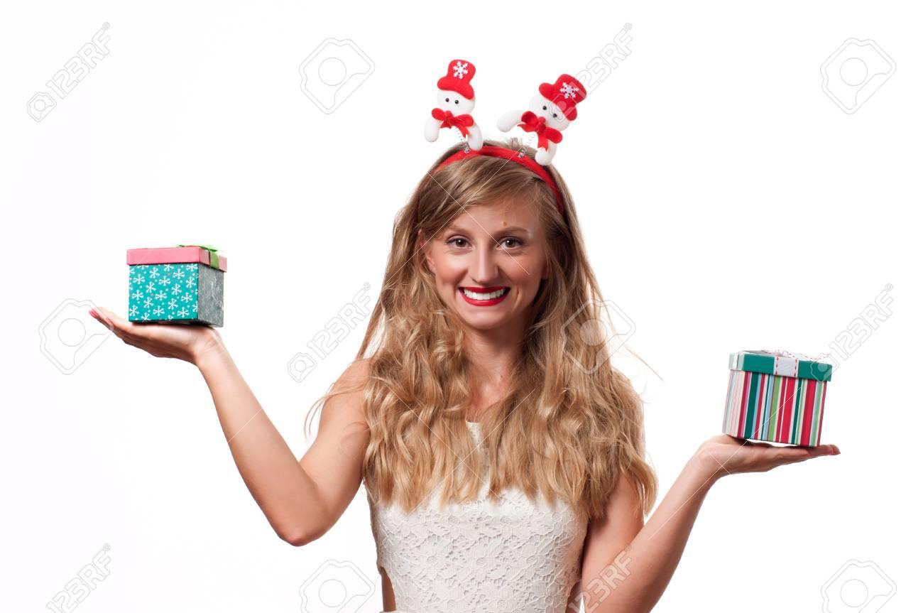 Weihnachten. Winterferien. Schönes Mädchen, Das Weihnachtsgeschenke ...