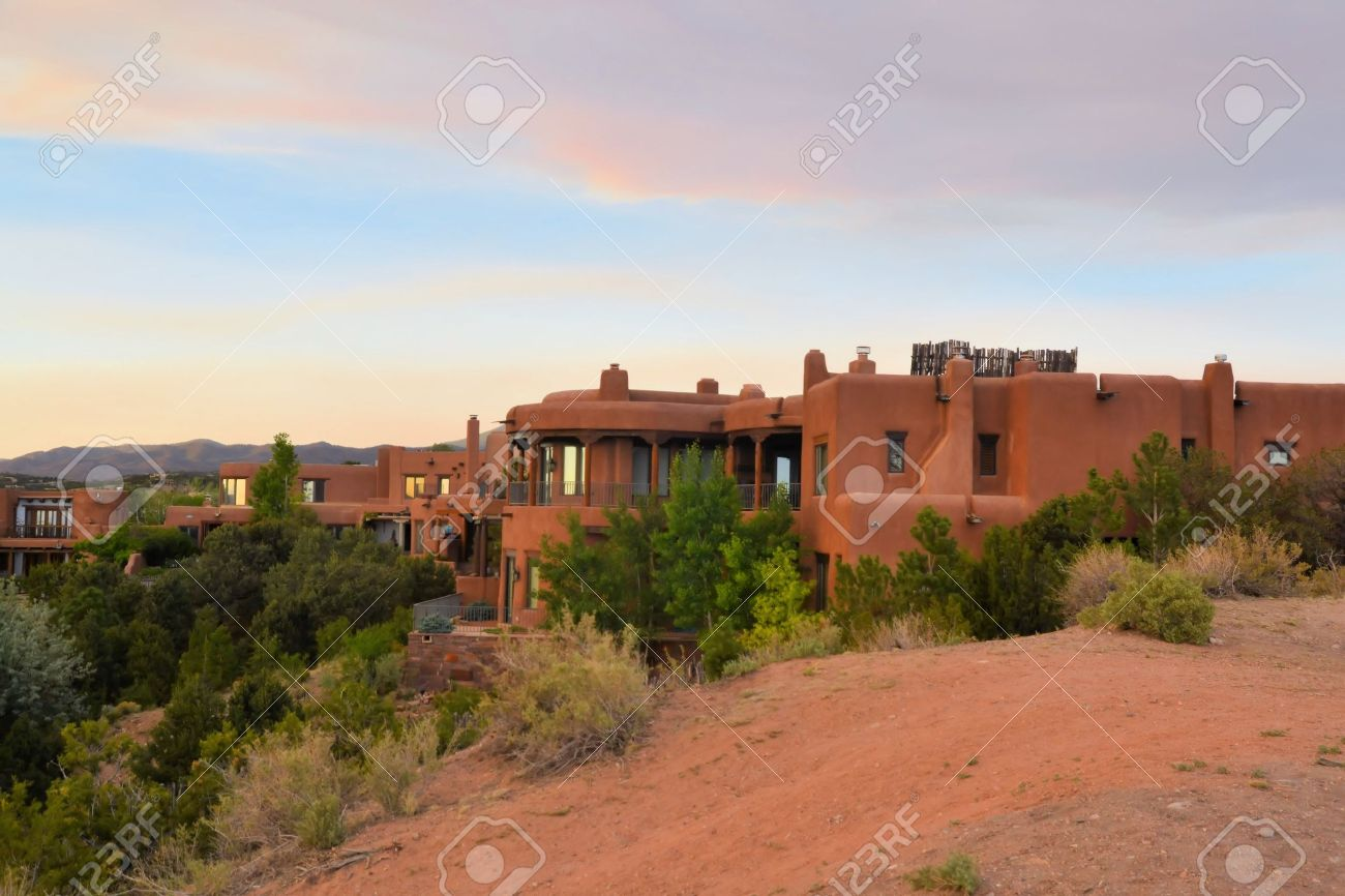 Old Town Santa Fe >> House In Architecture Typical For Native New Mexico In The Old