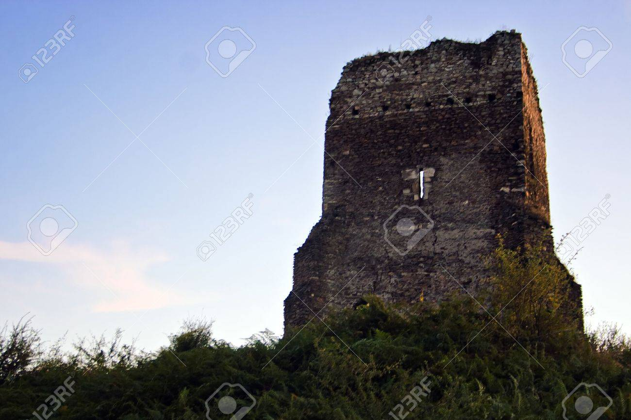 TURNU RUIENI, CARAS SEVERIN, ROMANIA  TOWER DUNGE HISTORIC MONUMENT Date  beginning of 14th century The living tower hat its foundation on a 11,4x10,8 m quadrangle  The upright structure schedules a high ground level, easily engrossed and another three le Stock Photo - 18832166