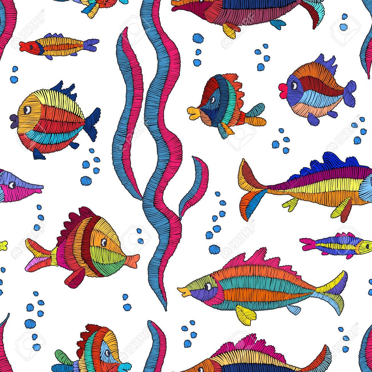 Pescado Bordado De Dibujos Animados Sobre Un Fondo Blanco - Patrón ...