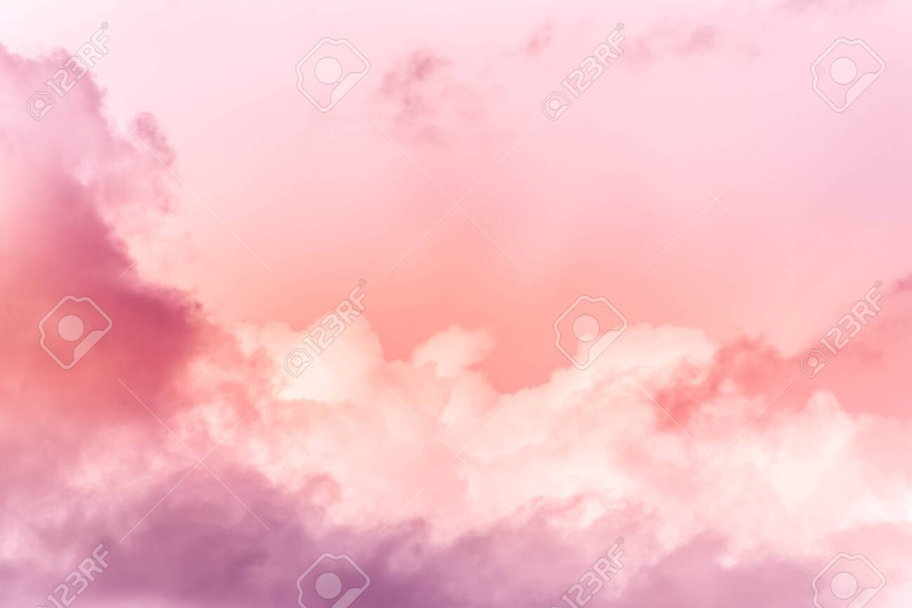 sky with effect of living coral colors. Color of the year 2019. - 122585505