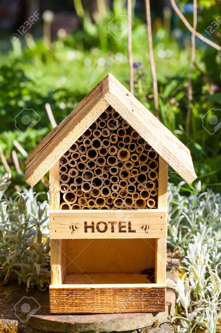 Hotel para abejas e insectos