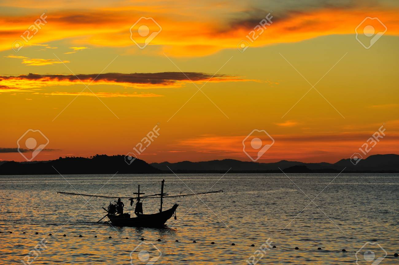 Boat with sunset Stock Photo - 11331762