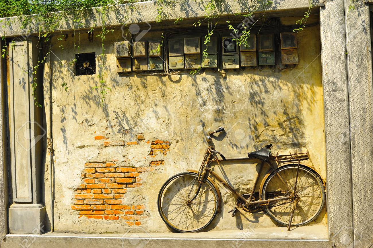 Old Bicycle On Vintage House, China Stock Photo, Picture And Royalty ...