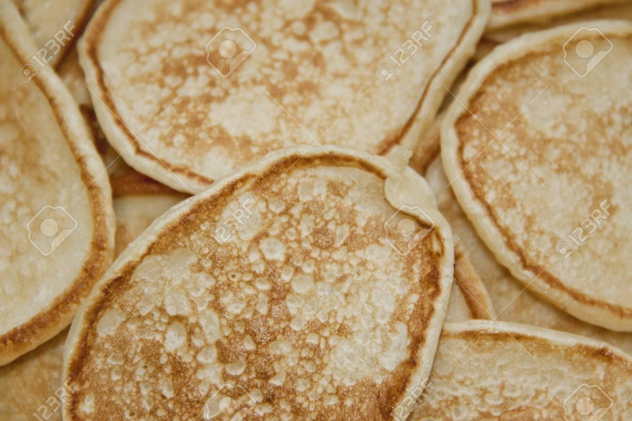 Texture of fresh pancakes - 104848864