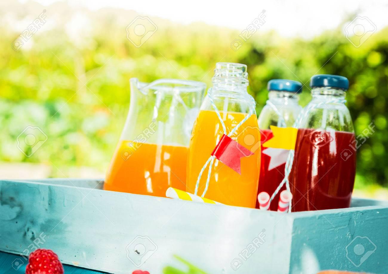 Bien-aimé Succo Di Frutta Fresca Fatta In Casa Per Un Picnic Estivo Con  YR39