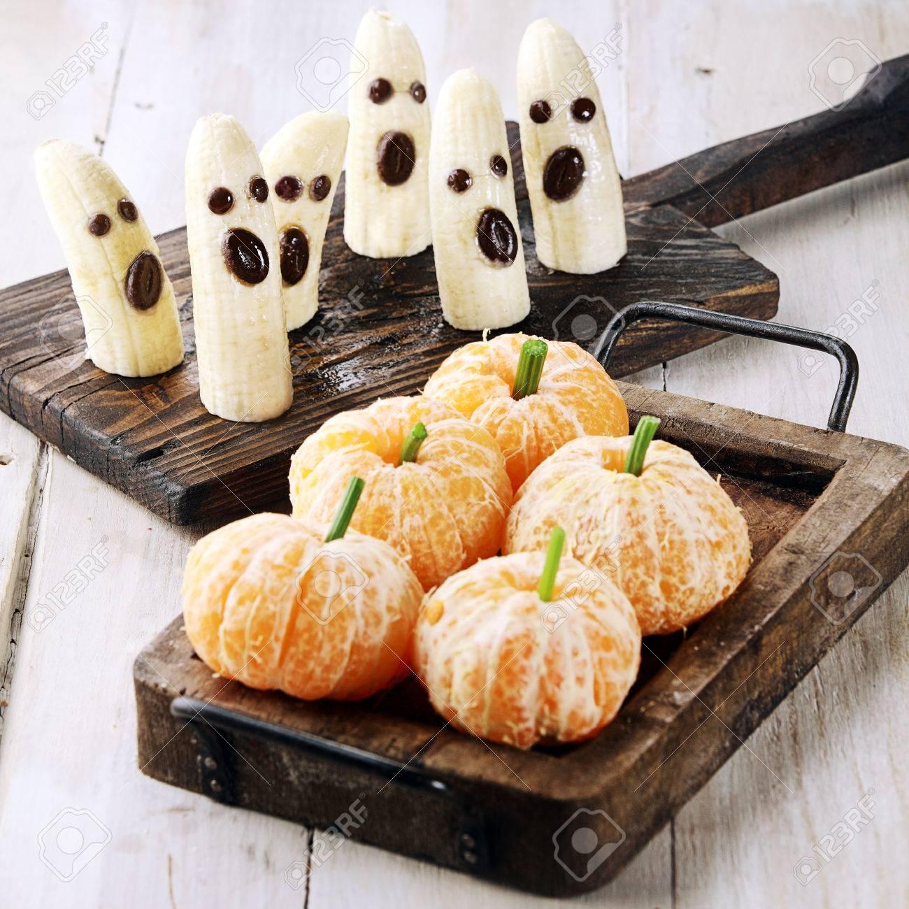 Gesunde Halloween Leckereien In Banana Geister Und Clementine Orange