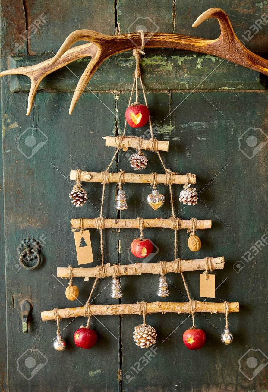 Weihnachtsbaum Design Aus Natürlichen Objekten Verbinden Durch ...