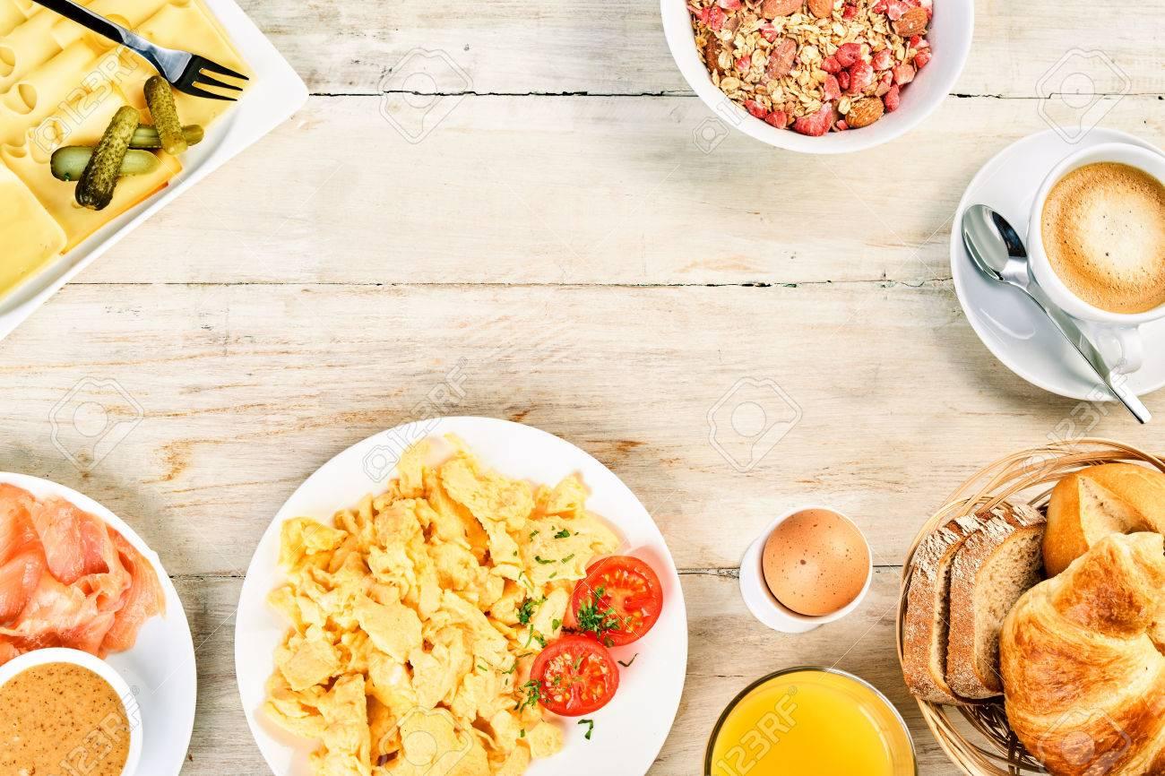 Schmackhafte Internationale Frühstück Essen Rahmen Mit Rührei ...