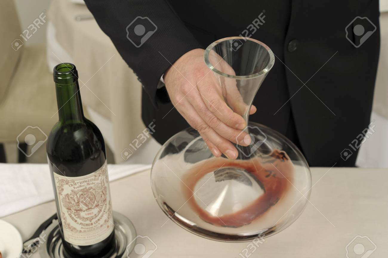 Decantering red wine Stock Photo - 17028789