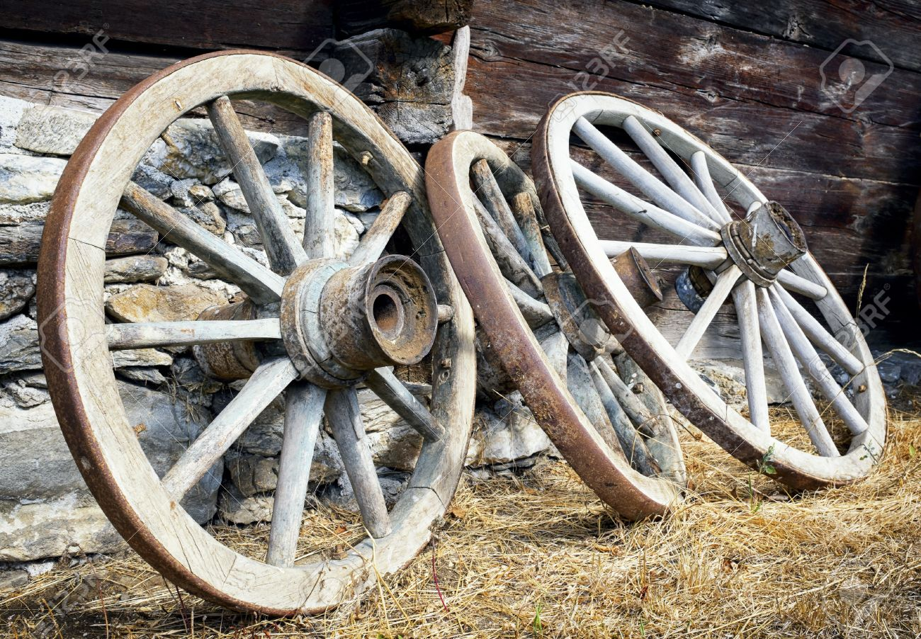 Old Wagon Wheels At A Farm Stock Photo   24599993