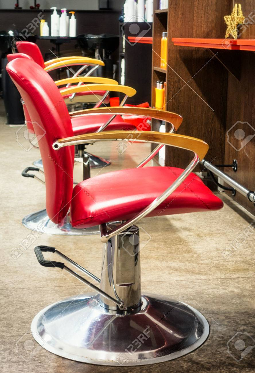 Old Barber Chairs >> Chairs At An Old Barber Shop