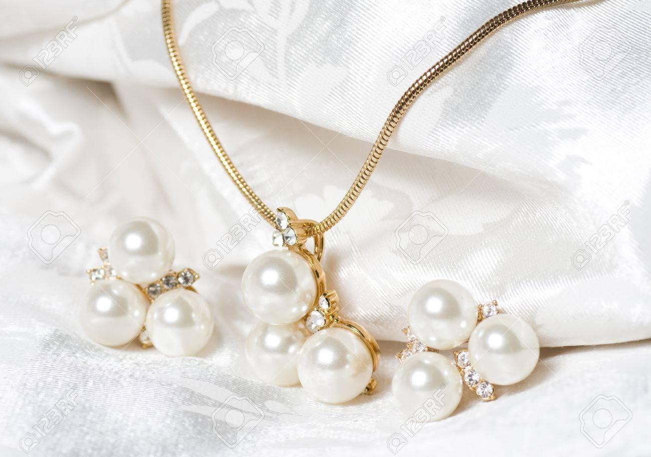 Beautiful jewelry on background - 16737466