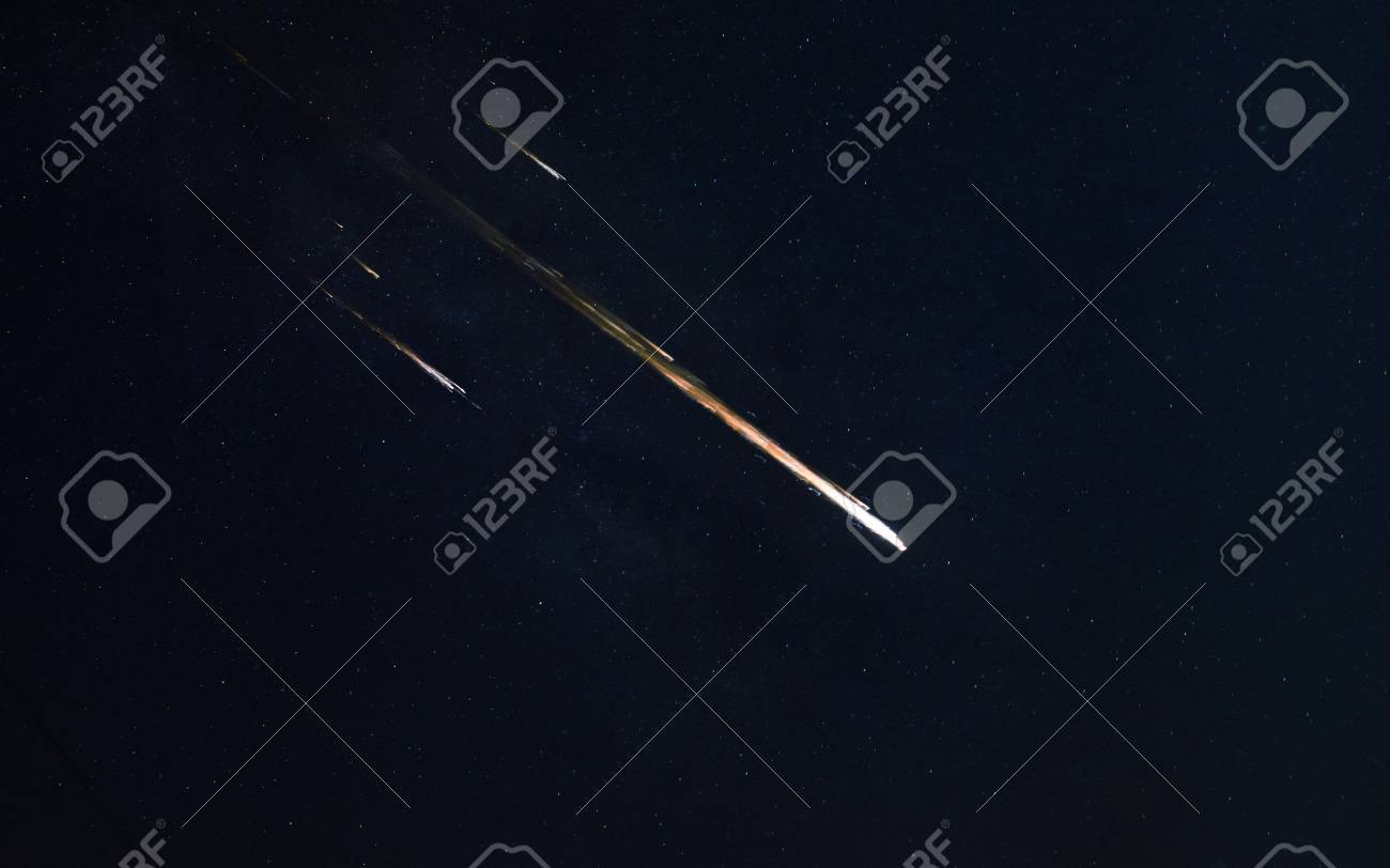 Meteor shower. - 69342974