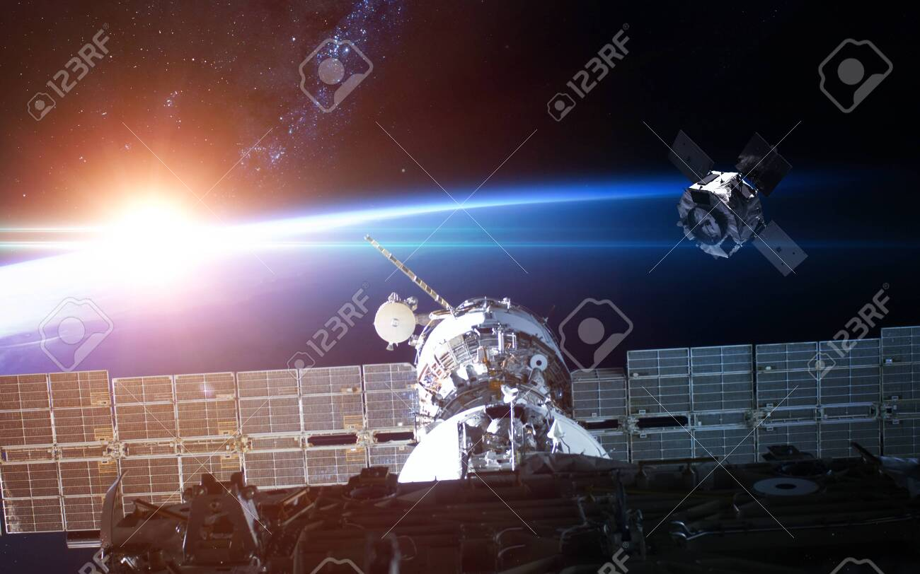 Space station view to Earth - 149619844