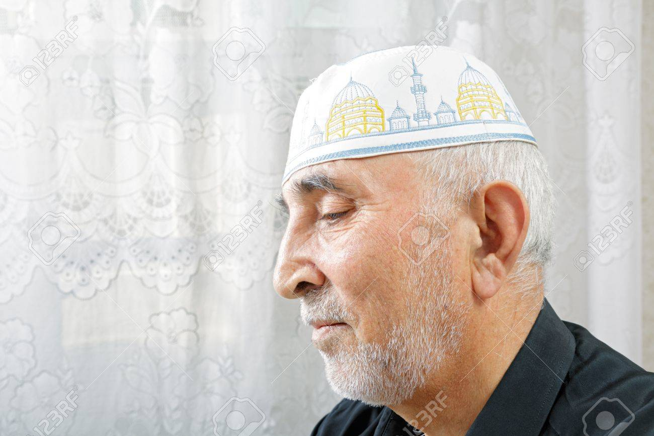 Senior man in religious hat profile view portrait Stock Photo - 15647205