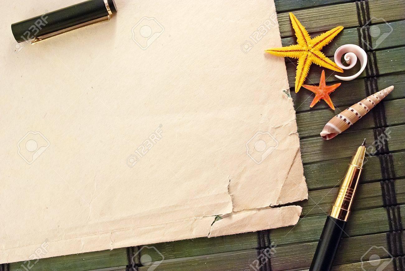Marine-themed Rahmen Blatt Papier, Kugelschreiber Und Muscheln Auf ...