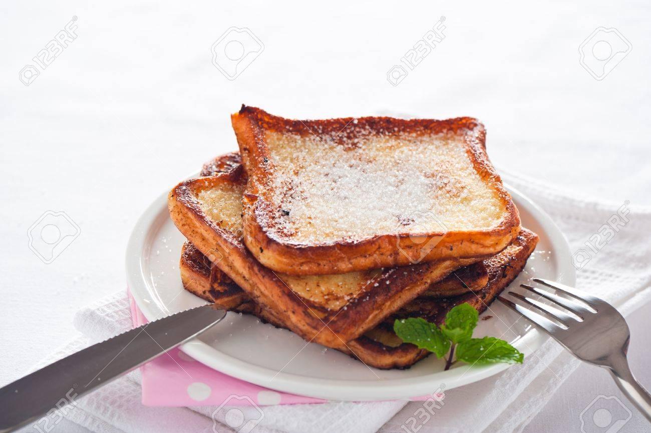 Einfache Dessert Französisch Toast Arme Ritter Lizenzfreie Fotos