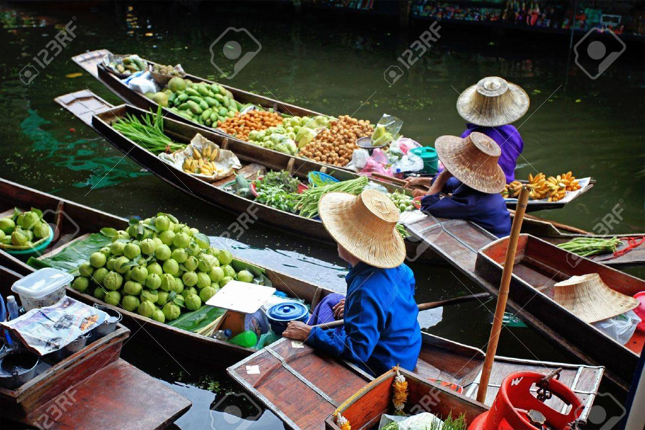 Floating Market in Thailand Stock Photo - 8253975
