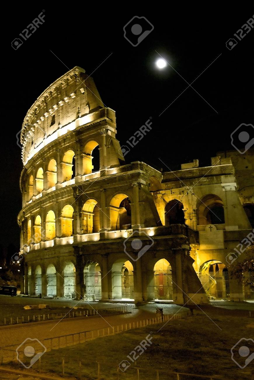 kolossial by night Stock Photo - 753577
