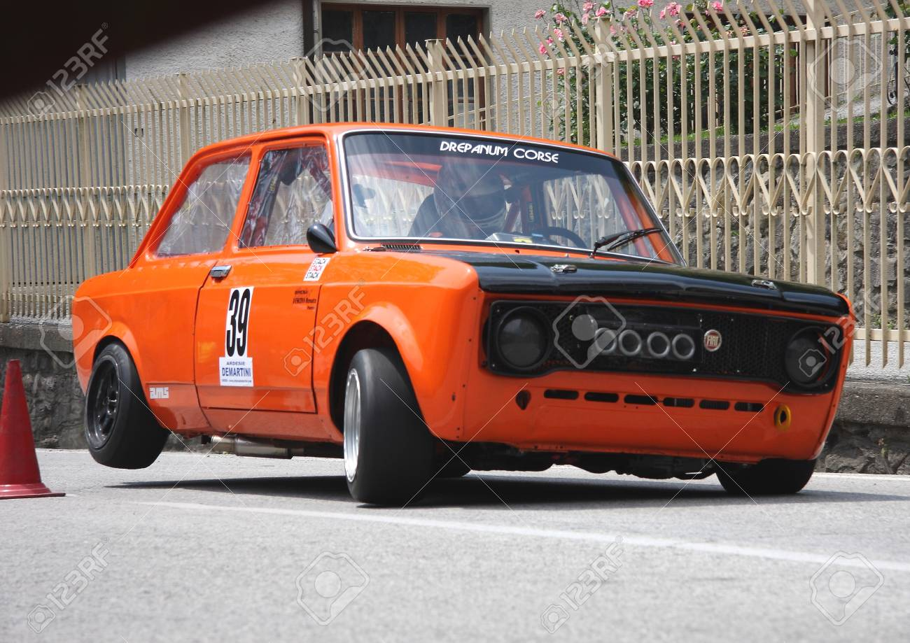 Fiat 128 during an uphill struggle
