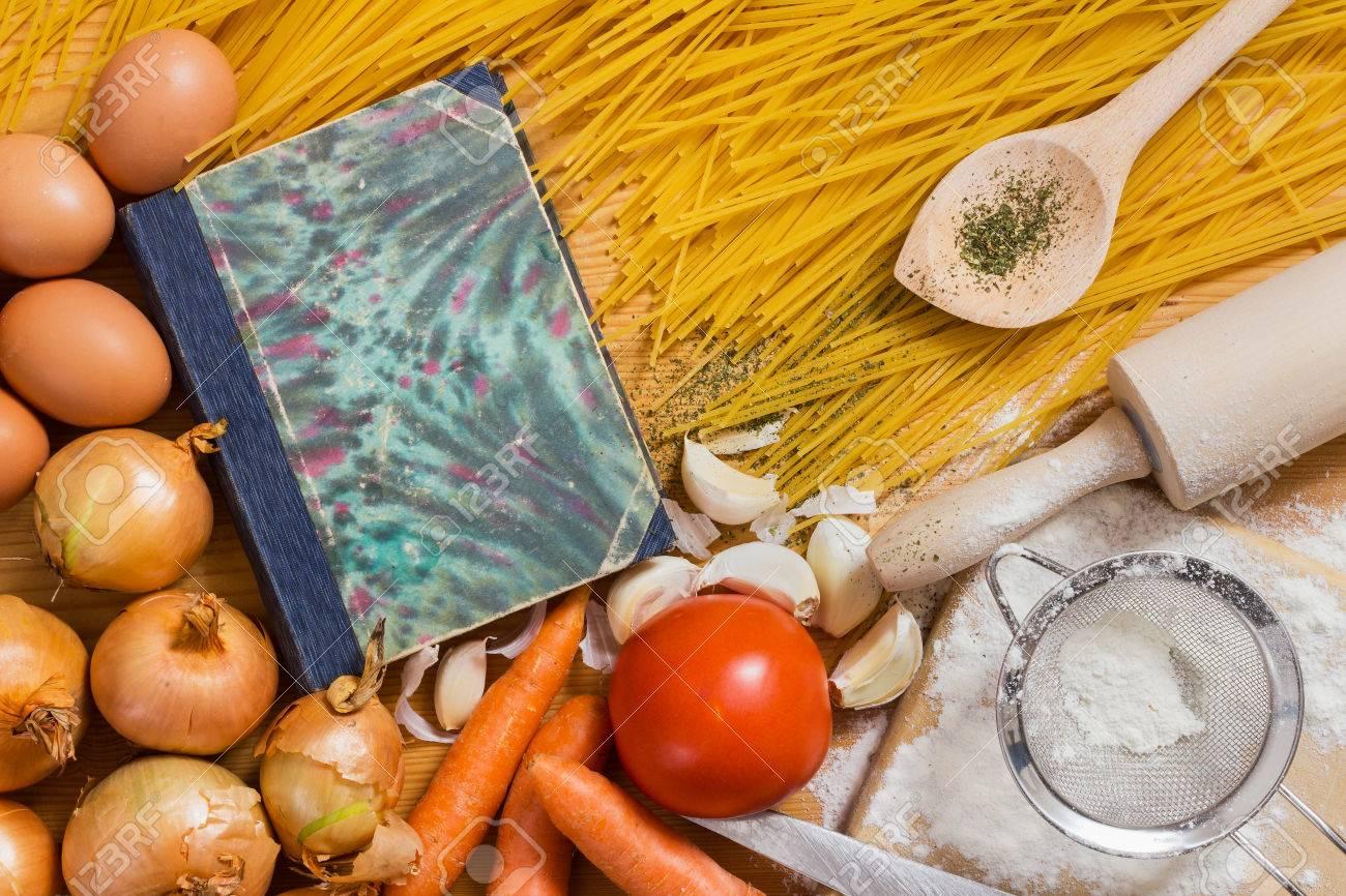 Copertina Del Libro Di Un Retro Libro Di Cucina, Cucchiaio Da ...