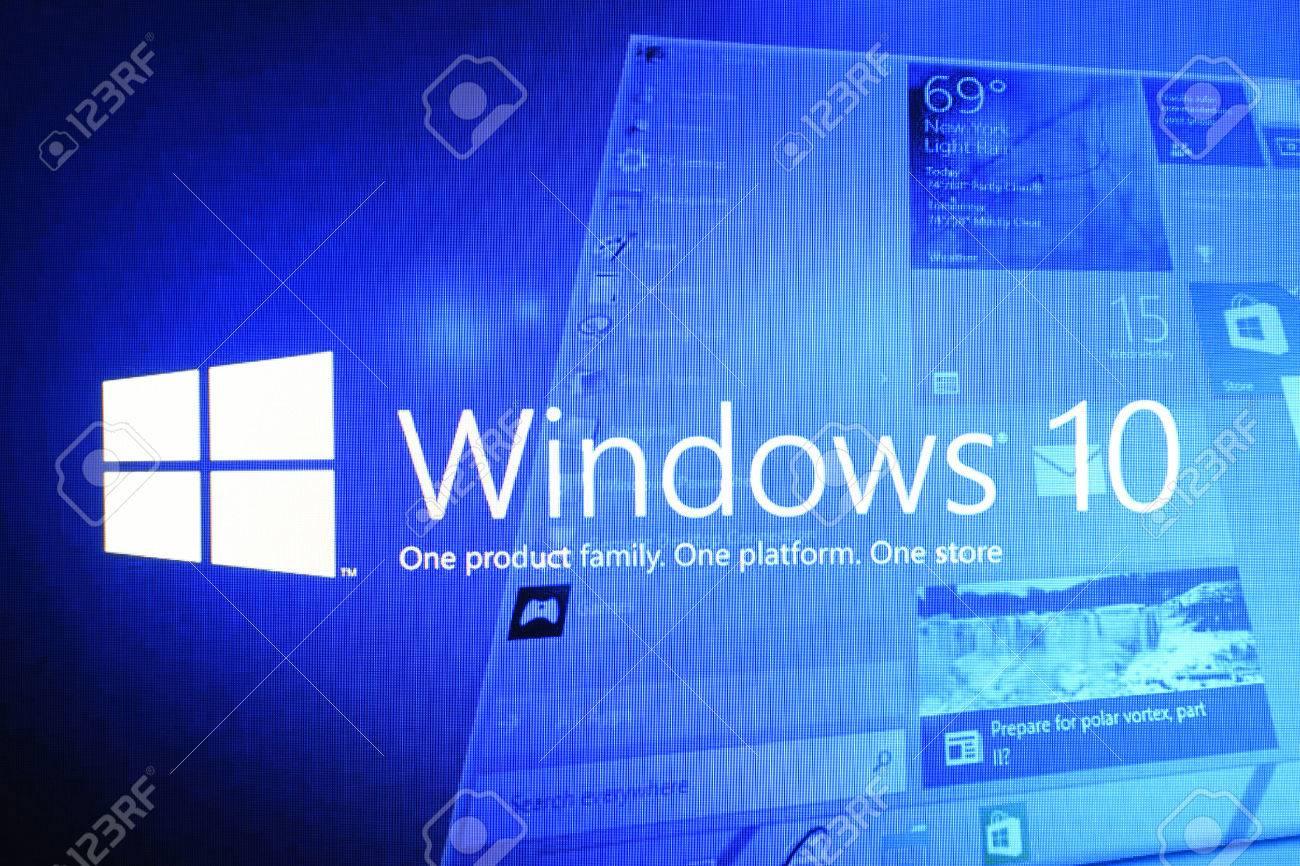 Russia, Poltavskaya village - August 13, 2016: The logo screen in Windows 10 operating system. - 69516983
