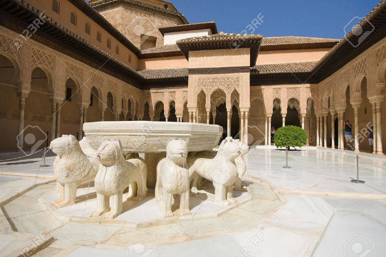 The Court of the Lions, a unique example of Muslim art Stock Photo - 16179653
