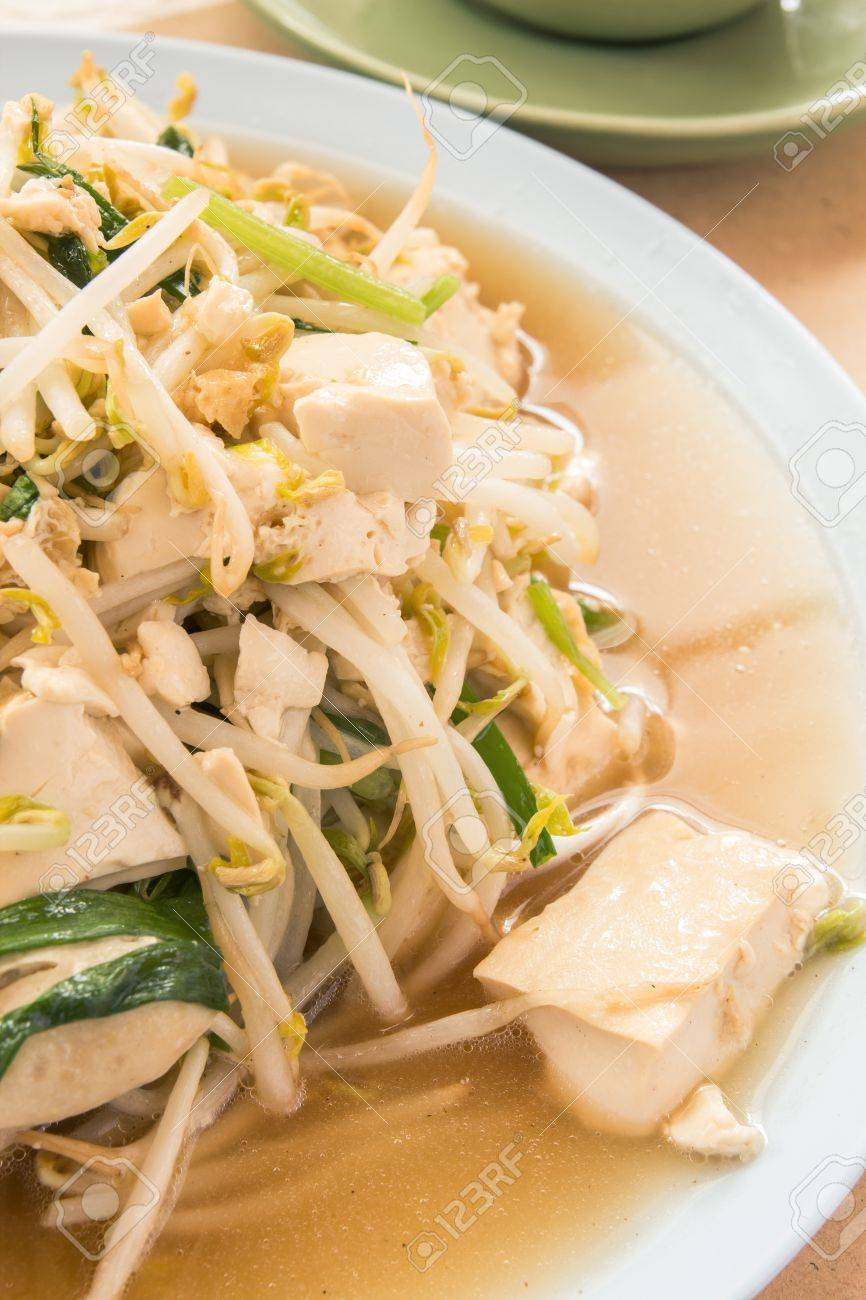 fried bean sprouts mix tofu : thai and chinese food Stock Photo - 18463934