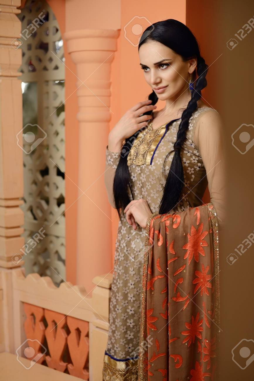 afa20da257 Young Girl In The Indian National Clothes Stock Photo, Picture And ...