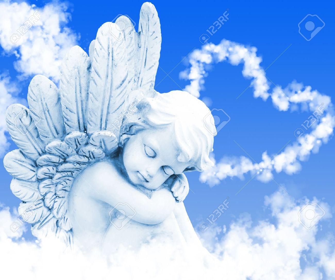Ange Image rêves d'ange devant c?ur de nuages banque d'images et photos libres