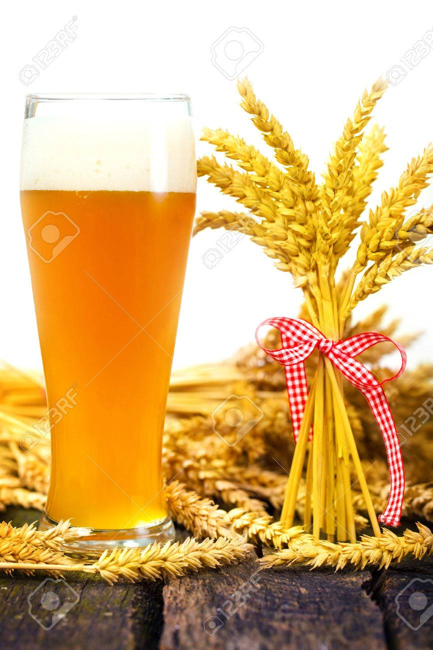 Wheat beer and wheat ears Stock Photo - 26814302