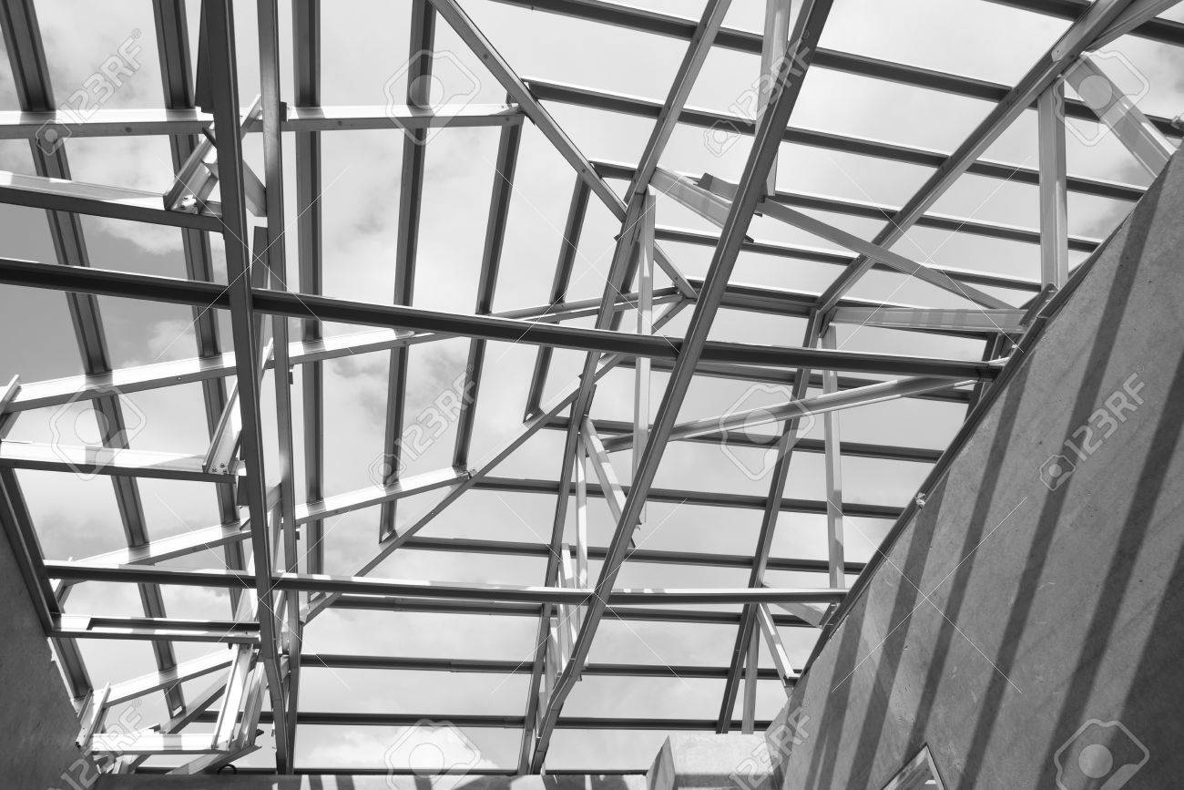 Foto Blanco Y Negro, Estructura Del Marco Del Techo De Acero Para La ...